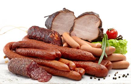 Geräuchertes Fleisch und Salami sind bei Histaminintoleranz leider nicht verträglich.